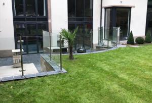 Laminated Glass in Garden